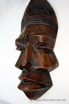 Máscara de madera tallada de Congo.
