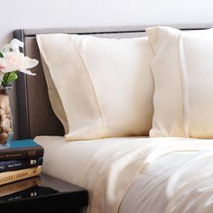 Luxor Linens is the best place to buy quality bath and bedding pieces. Bath Table, Egyptian Cotton Towels, Fine Hotels, Cotton Sheet Sets, Luxor, Bedding Collections, Luxury Bedding, Home Accessories, Duvet
