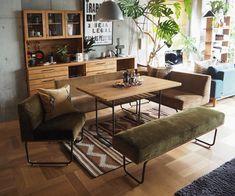 少し懐かしいようなクラシックな印象の市松張り。材は勿論、フロアの貼り方で全く違った印象になりますね。 Interior And Exterior, Interior Design, Furniture Dining Table, Japanese House, Living Room Inspiration, Dining Set, Great Rooms, Room Decor, House Design