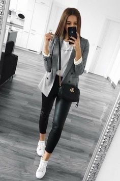 neue süße Street Style Outfit Ideen - Anziehsachen - You are in the right place about Blazer Outfit for men Here we offer you the most beautiful pictures Blazer Outfits Casual, Outfit Chic, Business Casual Outfits, Professional Outfits, Classy Outfits, Chic Outfits, Spring Outfits, Trendy Outfits, Outfit With Blazer