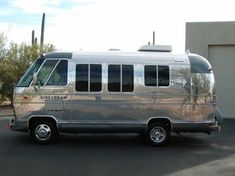 Vintage Trailers | 1977 Airstream