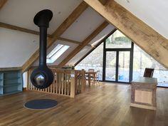 Super Ideas for oak wood table diy Wood Tile Floors, Solid Wood Flooring, Timber Flooring, Flooring Ideas, Converted Barn Homes, Faux Wood Wall, Wooden Beams Ceiling, Dark Wood Kitchens, Wood Floor Kitchen
