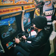 On instagram by andrewfostermusic #retrogames #microhobbit (o) http://ift.tt/2fXKFgP the 90s.... #arcade #1990s #sega #segarally #vscocam #vscogood #vscodaily #vsco #instagood #instacool #arcades #folk #acoustic #singersongwriter #troubadour #coastallife #southcoast #england #segasaturn  #retrogamer #memories #beanie #play #fun #drive #checksignalaspect