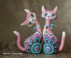 A list on fabric. Paper Mache Crafts, Vase Crafts, Clay Crafts, Decor Crafts, Paper Mache Animals, Polymer Clay Dolls, Paper Clay, Bottle Art, Cat Gifts