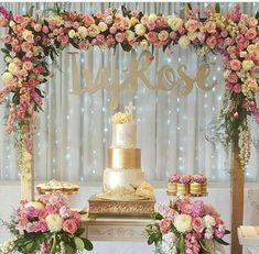 Flores Engagement Decorations, Wedding Decorations, Wedding Cake Designs, Wedding Cakes, Wedding Cake Backdrop, Candy Table, Wedding Pinterest, Birthday Decorations, Event Decor