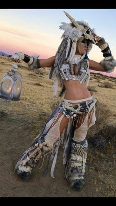 Jessica Nigri at Wasteland Weekend 2016 by Barry Mulling Jessica Negri, Geisha, Barbarian Costume, Jessica Nigri Cosplay, Wasteland Warrior, Wasteland Weekend, Grandeur Nature, Burning Man Fashion, Halloween Cosplay