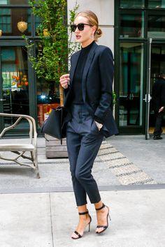 かっこいいスーツスタイル。