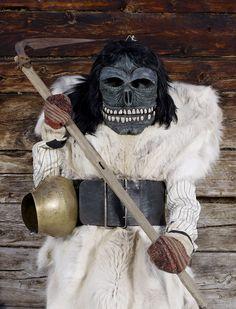Fransız Fotoğrafçının Gözünden FarklıÜlkelerdeki Paganların Kış Karşılama Kostümleri