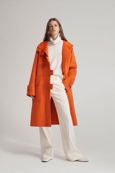 Joseph Pre-Fall 2019 Fashion Show Collection: See the complete Joseph Pre-Fall 2019 collection. Look 6 Geometric Patterns, Duffle Coat, Estilo Fashion, Style Casual, Fashion Show Collection, Pantone, Coats For Women, Latest Fashion Trends, Ready To Wear