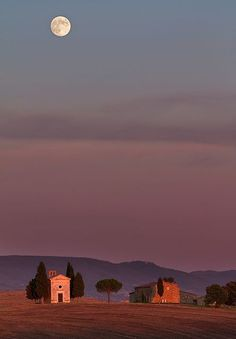 Cappella della Madonna di Vitaleta, Val d'Orcia, Tuscany, Italy