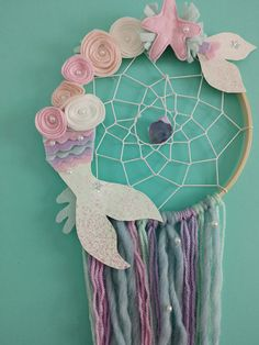 Beautiful Dream Catchers, Dream Catcher Art, Mermaid Crafts, Mermaid Diy, Diy For Kids, Crafts For Kids, Diy Crafts, Party Unicorn, Mermaid Room Decor