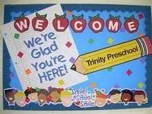 25 Back to School Bulletin Board ideas - Hike n Dip Back to School Bulletin Board Ideas to welcome the kids to a brand new year with loads of fun and excitement. These Welcome Back bulletin board are so great School Welcome Bulletin Boards, Staff Bulletin Boards, Kindergarten Bulletin Boards, Welcome Back To School, Bulletin Board Display, Classroom Bulletin Boards, Classroom Ideas, Preschool Boards, Seasonal Classrooms