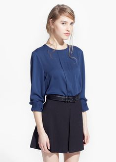 Decorative pleat blouse | MANGO