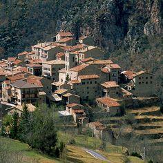 CASTELLAR-DE-N-HUG_barcelona Andorra, Paris Skyline, City Photo, Mansions, Travel, Natural, Home, San Vicente, Wanderlust