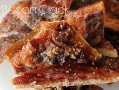 Bacon Crack - for the hubs & friends. May be a match to Millionare Bacon. Bacon Recipes, Appetizer Recipes, Snack Recipes, Cooking Recipes, Snacks, Appetizers, Yummy Recipes, Bacon Crack, Bacon Bacon