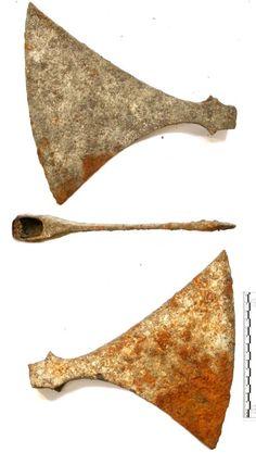 "Scandinavian fighting broad axe, ""Dane axe"". Viking Sword, Viking Axe, Varangian Guard, Cool Swords, Viking Culture, Axe Head, Battle Axe, Ancient Vikings, Iron Age"