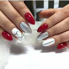 Nail art Christmas - the festive spirit on the nails. Over 70 creative ideas and tutorials - My Nails Red Gel Nails, Cute Acrylic Nails, Acrylic Art, Red And Silver Nails, Red Nail Art, Acrylic Colors, Holiday Nails, Christmas Nails, Christmas Ideas