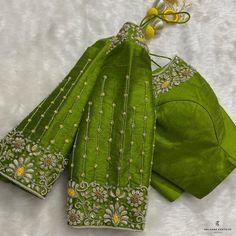 Cutwork Blouse Designs, Blouse Neck Designs, Pattu Saree Blouse Designs, Simple Blouse Designs, Saree Blouse Patterns, Bridal Blouse Designs, Stylish Blouse Design, Hand Work Blouse Design, Hand Designs