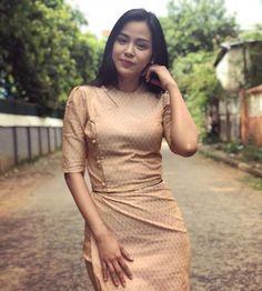 Ma Aye Thaung in Myanmar Beautiful Dress Traditional Dresses Designs, Traditional Outfits, Beautiful Girl Photo, Beautiful Asian Girls, Myanmar Dress Design, Myanmar Traditional Dress, Myanmar Women, Vw Vintage, Batik Fashion