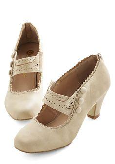 Scallop and At 'Em Heel in Ecru | Mod Retro Vintage Heels | ModCloth.com