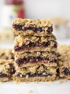 These easy Raspberry Oatmeal bars are a fast fix for your sweet tooth and they only require a few pantry staples plus your favorite jam! No Bake Oatmeal Bars, Oatmeal Breakfast Bars, Oat Bars, Raspberry Oatmeal Bars, Raspberry Recipes, British Baking, Thing 1, Brownie Bar, Dessert Bars