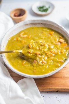 This Split Pea Soup with Bacon is a big bowl of comforting goodness. Made with simple ingredients, its savoury, full flavoured, silky and luscious. Pea Soup, Green Peas, Big Bowl, Clean Eating Recipes, Sugar Free, Bacon, Curry, Healthy