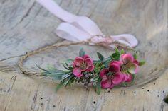 Amaranty dla malucha  #fotografianoworodkowa #sesjafotograficzna  #nbphotoprops #newbornphotography #newbornbaby #newbornphotoshoot… Baby Flower Crown, Little Babies, Beautiful Flowers, Bridesmaid, Maid Of Honour, Bridesmaids, Dama De Honor