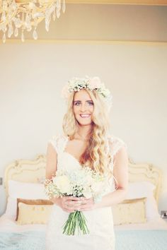Long lose wavy hair and gypsophila and pale pink rose floral crown.  Photography by http://helenrussellphotography.co.uk/