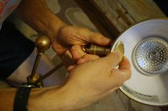 how to disassemble a lamp to make it battery powered
