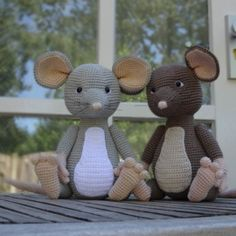 Haakpatroon muis Melvin Amigurumi Patterns, Amigurumi Doll, Rat Toys, Sewing Patterns, Crochet Patterns, Unique Toys, Crochet For Kids, Crochet Children, Sewing Toys