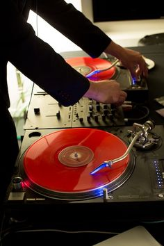 DeeJay: Play something lounge-y & chill as guests arrive, then move into more energetic beats like hip hop or even 80′s dance music, depending on the crowd.
