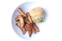 Une recette vegan simplissime d'omelette burger à petit prix à base de farine de pois chiche qui ravira vos papilles !