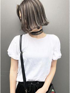 Under Hair Dye, Skunk Hair, Korean Hair Color, Short Hair Cuts For Round Faces, Dramatic Hair, Hair Arrange, Caramel Hair, Edgy Hair, Brown Blonde Hair