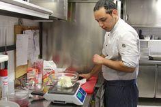 Per preparare un buon dolce ci vuole molta precisione. Parola di chef! #ApricaforAriel