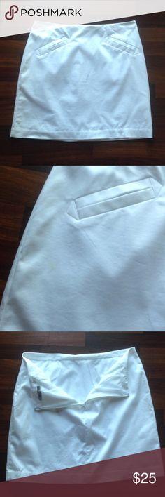 Skirt NWOT Never worn White skirt w/ lining skirt has small mark on right side see pic 2 Worthington Skirts Mini