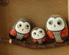 手绘猫头鹰一家 手绘石头...Adorable owls.Nice job painting!
