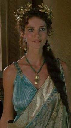 helen of troy diane kruger - Pesquisa Google <≤<- That's Andromache and she's played by Saffron Burrows.