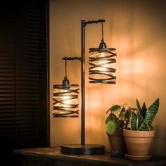 This Shearer table lamp has two caps in the form of spiral and has a slate grey colour with a brown touch. The Shearer table lamp is provided with a metal base. Industrial Floor Lamps, Industrial Ceiling Lights, Teen Room Decor, Living Room Decor, Affordable Furniture, Led Lampe, Metal Wall Decor, Lampshades, Metal Walls