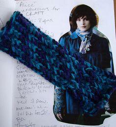 MAKE   Knifty Knitter Loom-Along: Alice Wrist Warmers – Let's Get Started!