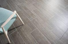 It looks like #wood, it's #ceramic…#livingroom #livingarea #salón #salones  #pamesa #ceramica#pamesaceramica #porcelain #home #floortiles #walltiles #flooring #interiors #azulejos #revestimiento#fliesen #carrelage #architecture #interiors#design #trends #arquitectura #design#madera #reformas #revamp #deco#decoración #designlovers #projects#bathroom #tileslover Tile Floor, Flooring, Wood, Crafts, Tiles, Architecture, Manualidades, Woodwind Instrument