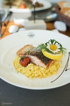 Drauradwegwirte Safranrisotto Lachs Restaurant, Ethnic Recipes, Food, Salmon, Hiking, Viajes, Tips, Food Food, Diner Restaurant