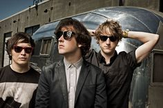 The Wombats - So earnest, so sincere but oh so destructive. Alternative Rock at its finest :) Music Lyrics, My Music, The Wombats, Coachella Valley, Lets Dance, Fall Out Boy, Music Bands, Lineup, I Movie