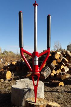 - GOOD N USEFUL The Splitz-All : How to split wood fast and safely – Best way to split firewood - Log splitter solutions - Safe wood cutting Diy Welding, Welding Projects, Welding Rods, Blacksmith Projects, Wood Router, Wood Lathe, Cnc Router, Log Wood Projects, Projects To Try