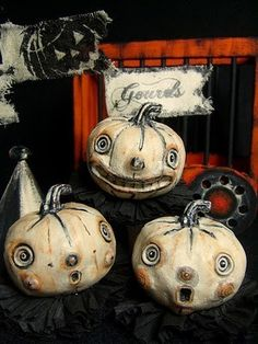 granny54:  Enter The Holidays / Halloween Folk Art by Melissa Valeriote on We Heart It. http://weheartit.com/entry/13683714/via/pat_a_taylor_73