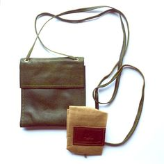 "🌿Leather, Lightweight, Tri-Fold Crossbody Beautifully handcrafted leather tri-fold crossbody by Chilean designer, Richard Zuniga. Crossbody strap measures 33"" (loooong) from the shoulder, the bag is ~6""x7"" and comes with a dust bag. Leaders in Leather Bags Crossbody Bags"