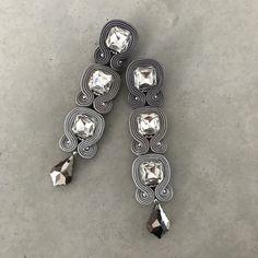 Fabric Jewelry, Boho Jewelry, Jewelry Crafts, Beaded Jewelry, Jewelery, Handmade Jewelry, Soutache Necklace, Lace Earrings, Chandelier Earrings