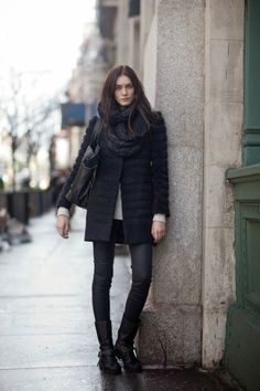 How to wear leather motorcycle boots: 13 stylish outfit ideas for ladies - Fashion Tag, Fashion Week, Winter Fashion, Womens Fashion, Fashion Clothes, Fashion Shoes, Vanessa Jackman, Mode Indie, Leather Motorcycle Boots