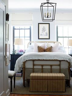 A Darling 500-Square-Foot Apartment Makeover