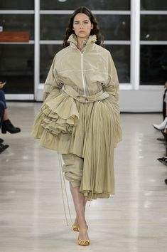 Y Project at Paris Fashion Week Spring 2018 - Runway Photos