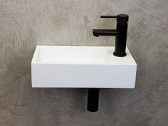 Bathroom Design Luxury, Corian, Minimalist Bathroom, Bathroom Inspo, Solid Surface, Terrazzo, Powder Room, Interior And Exterior, Sink